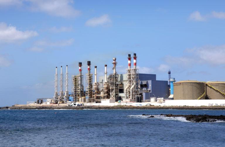 Fuentes alternativas de AGUA. El éxito de la desalación de agua requiere más energías renovables